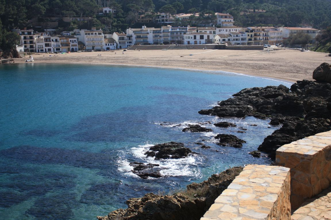 Catalonia costa brava beaches and villages beautiful for Beautiful beaches in la