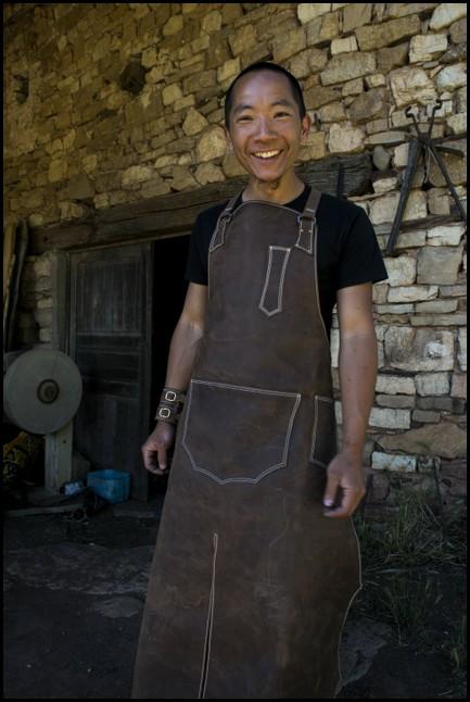 3kg sous terre stage cuir tablier de forge artisanal en cuir - Tablier de forgeron ...