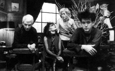 siouxsie & the banshees and robert smith