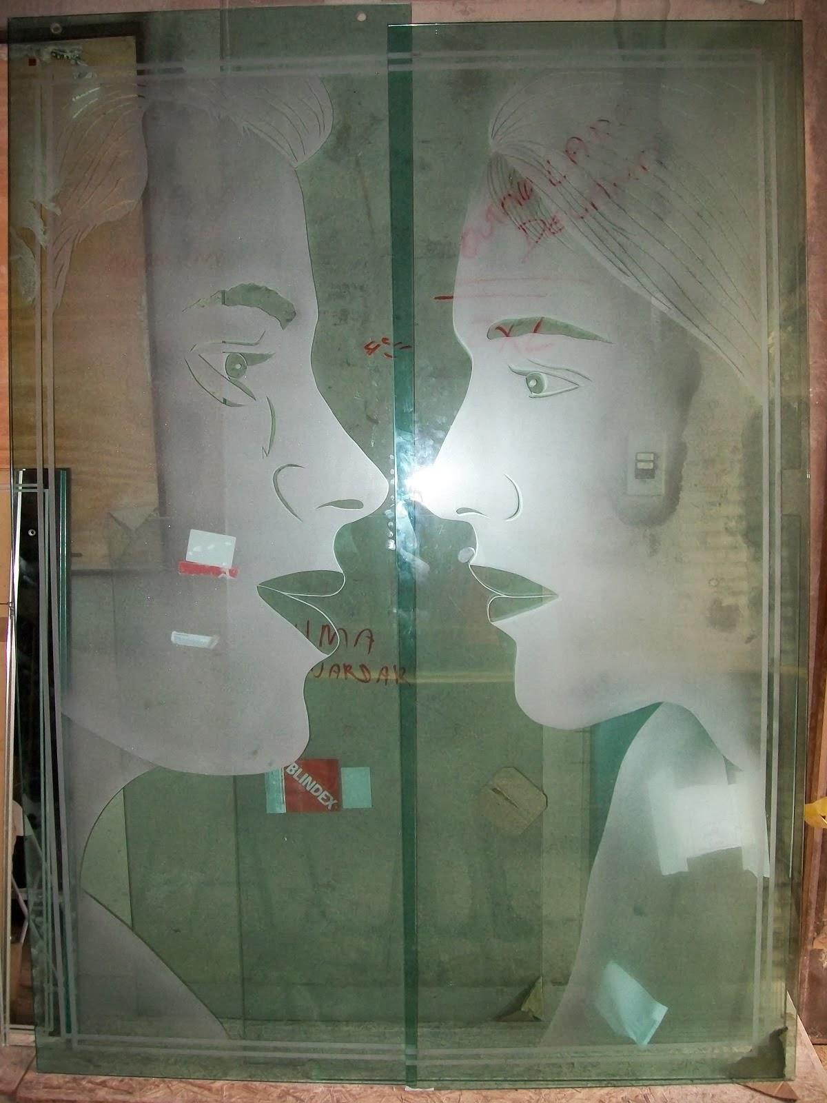 #885D43 Vidros em geral; podem ser utilizados desde o banheiro (box) a janela  1594 Vidros Ou Janelas Eletrocrômicos