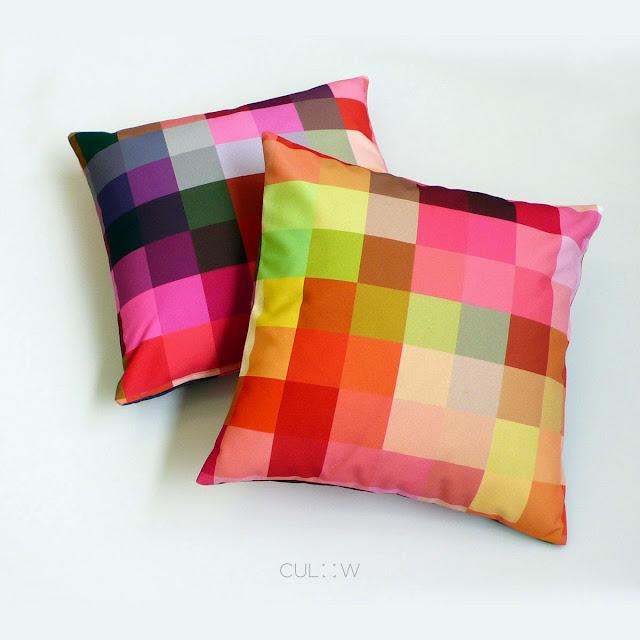 Bantal warna-warni