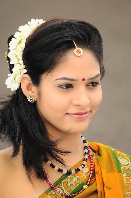 Oruvar Meethu iruvar Sainthu Latest Romantic Stills Lovely Actress in Saree Beautiful gallery