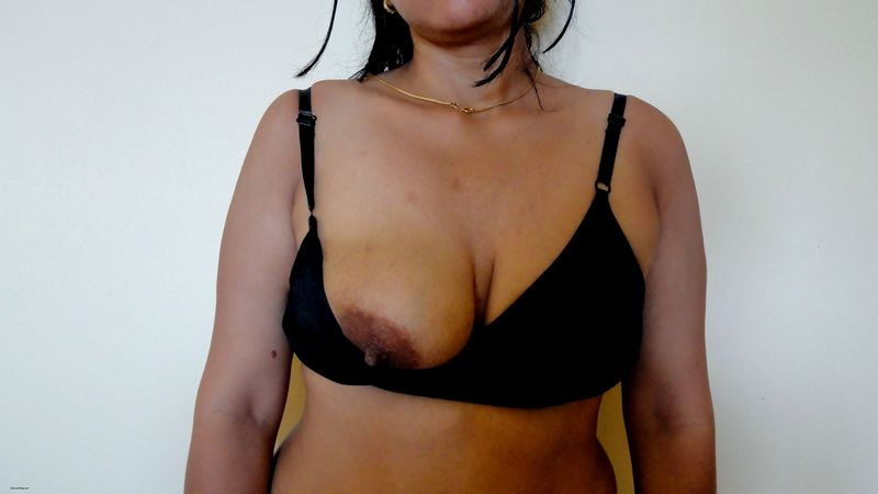 boobs indian bra aunty in black