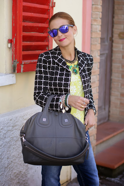 Asos Check blazer, Givenchy Nightingale, Oakley sunglasses, Fashion and Cookies, fashion blogger