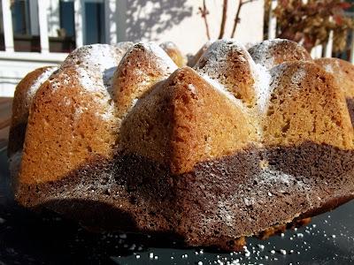 Bizcocho mármol integral de espelta y trigo con chocolate