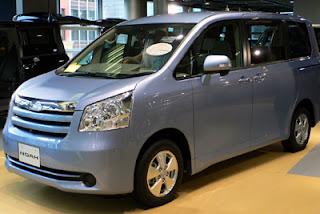Toyota Noah Harga dan Spesifikasi