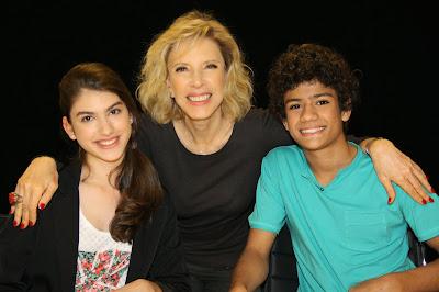 http://4.bp.blogspot.com/-YiDPVWcAi_E/UlbKtwoyAAI/AAAAAAAAnlk/47MhL_BpIpE/s400/fotos+Carol+Soares+(14).JPG