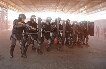 POLICIAIS DO CHOQUE EM TREINAMENTO DE CDC