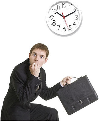 الشخصية «الإرجائية» شعارها الدائم: «سأفعل ذلك غدا» !!!! - رجل متأخر - man running late