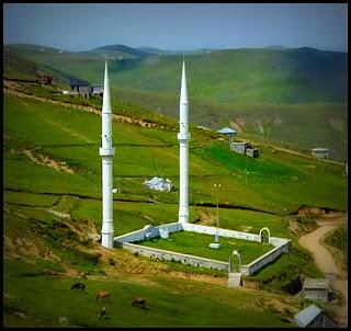 Masjid Berlantai Tanah Berbumbung Langit