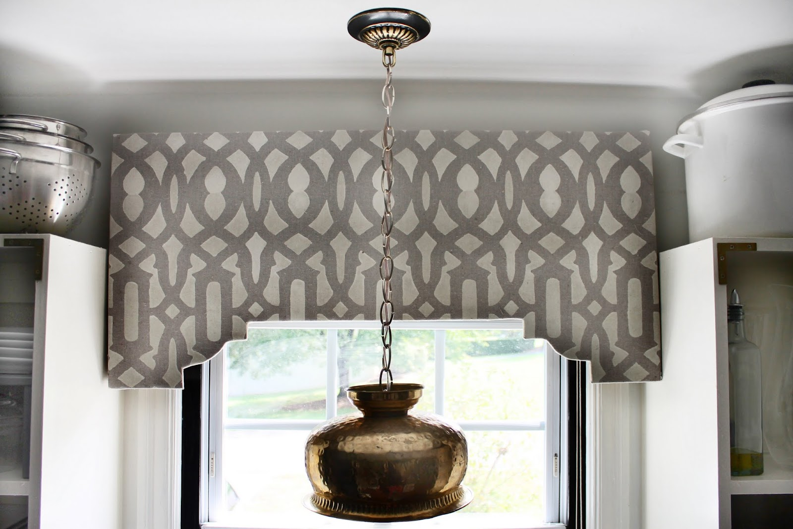 Hunted Interior Diy Stenciled Cornice Board
