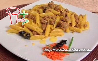 Penne salsiccia olive e zafferano di Cotto e Mangiato