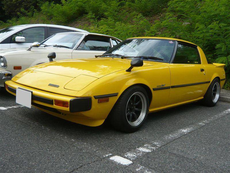 Mazda RX-7 SA22C / FB