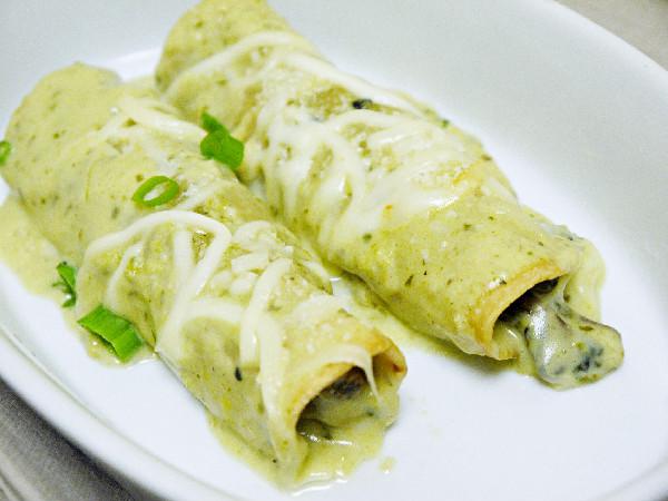 spicedMango: Shiitake Mushroom & Spinach Enchiladas w/ Roasted Poblano ...