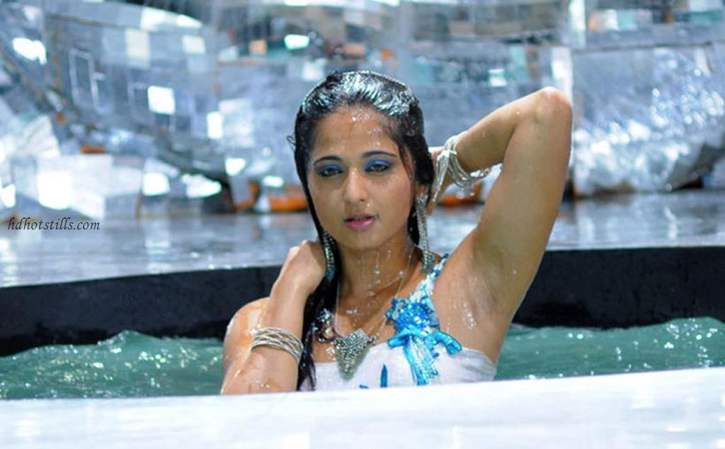 anushka shetty hot armpit photos anushka shetty armpit pics   indian