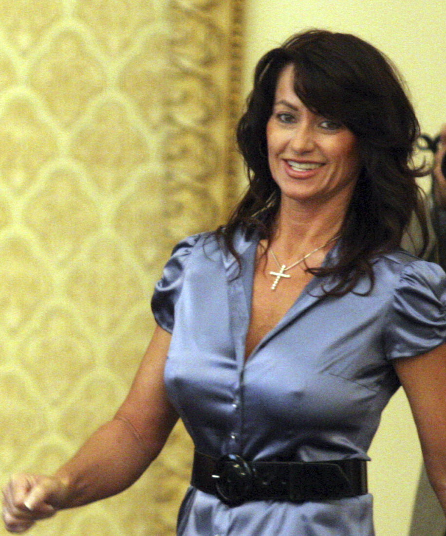 46 years old Nadia Comaneci fit and hot - Sexy Naked Women