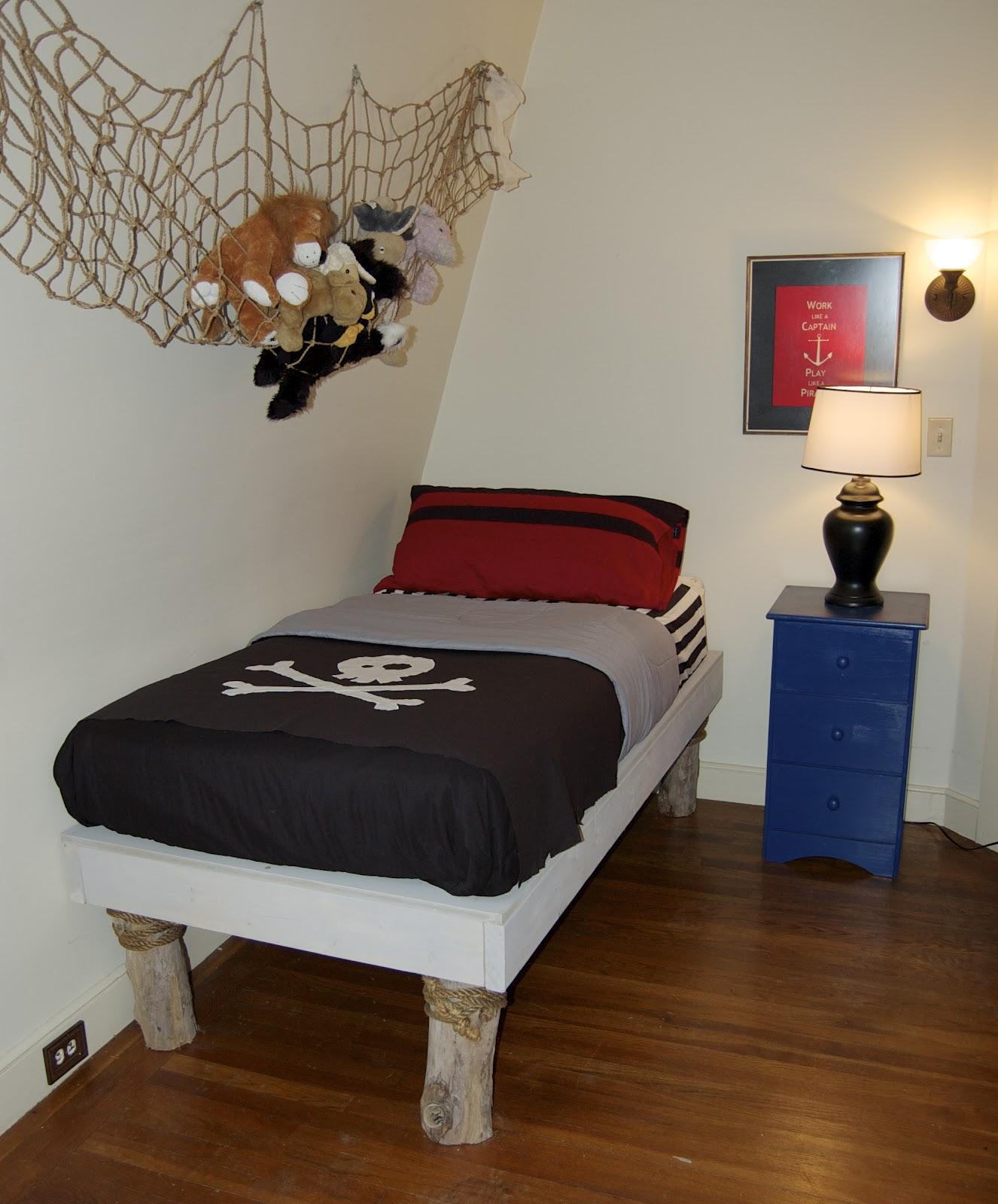 Pirate Decor For Bedroom Seaside Shelter Diy Pirate Bedroom