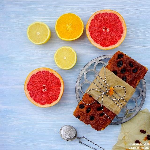 http://obserwatoriumgastronomiczne.blogspot.com/2014/12/cytrusowe-ciasto-jogurtowe-z-zurawina.html