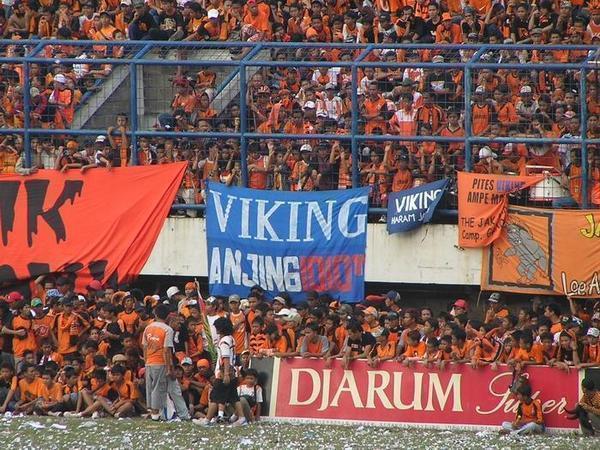 SELFISH AGENDA: Derby: Sebuah Cerita Mengenai Rivalitas