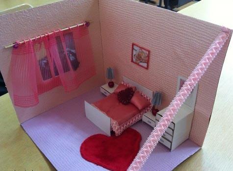 Комната подделки из картона и бумаги