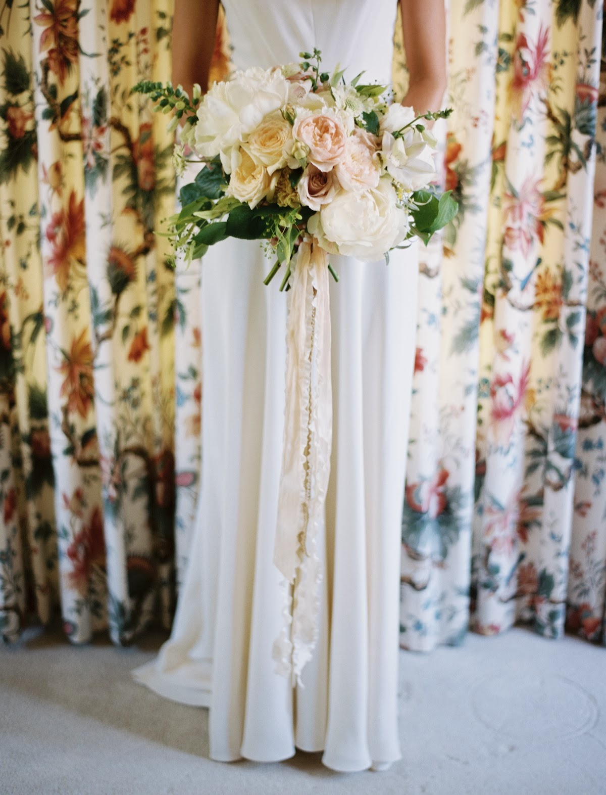 Brooklyn + Patrick\'s Backyard Salt Lake City wedding - Honey of a ...