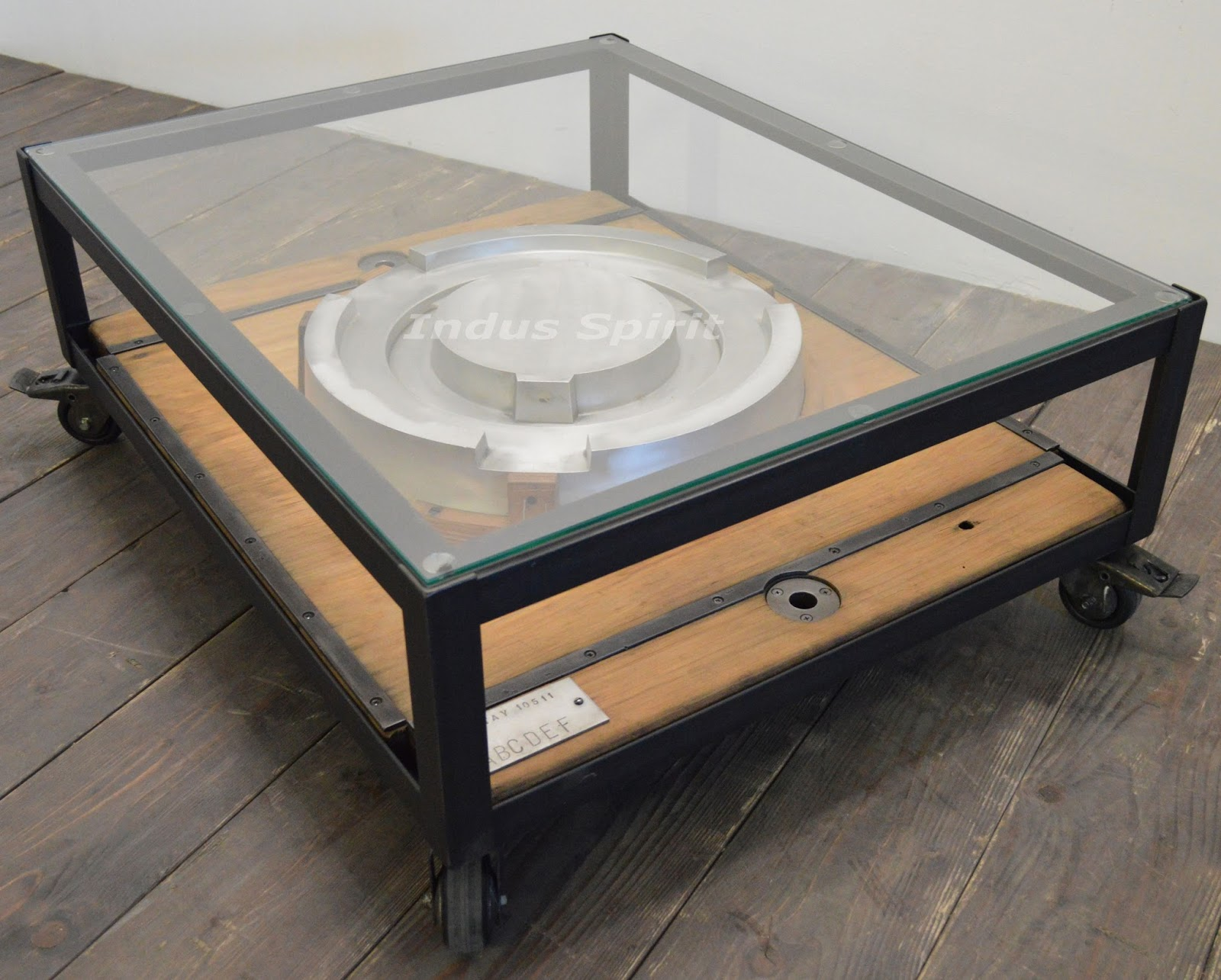 Table basse design industriel - Table basse style industriel ...