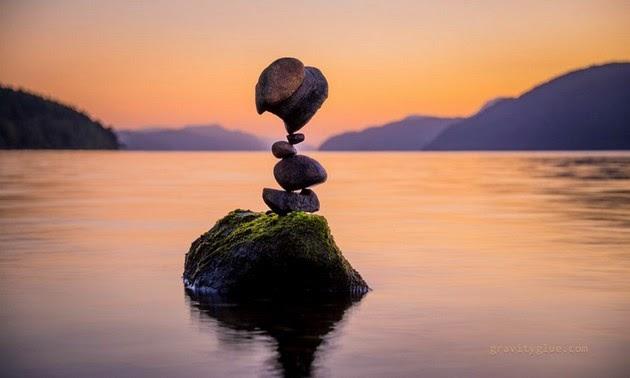 balanced rock sculptures, Michael Grab sculpture