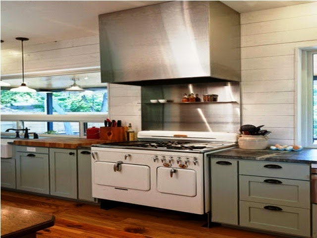 wall color for light kitchen cabinet