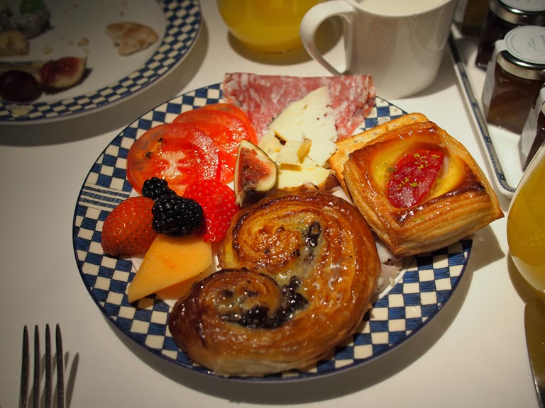 london buffet breakfast