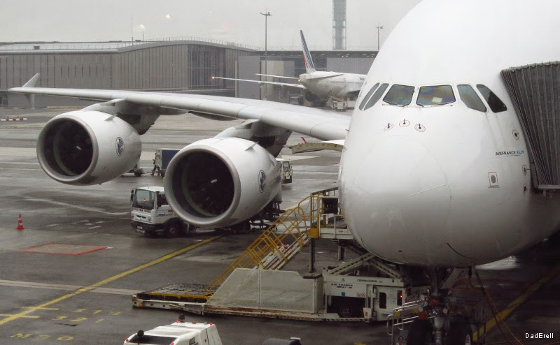 Préparation d'un Airbus A380 à l'aéroport Roissy Charles de Gaulle