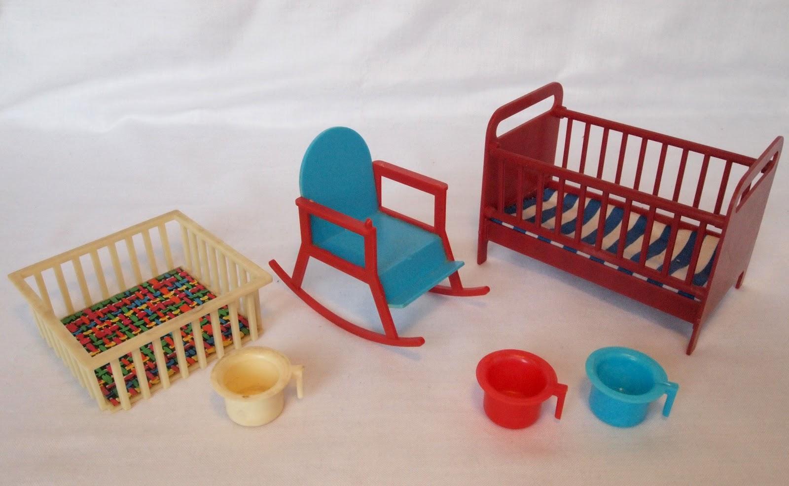 diepuppenstubensammlerin alles f rs baby all your baby needs. Black Bedroom Furniture Sets. Home Design Ideas