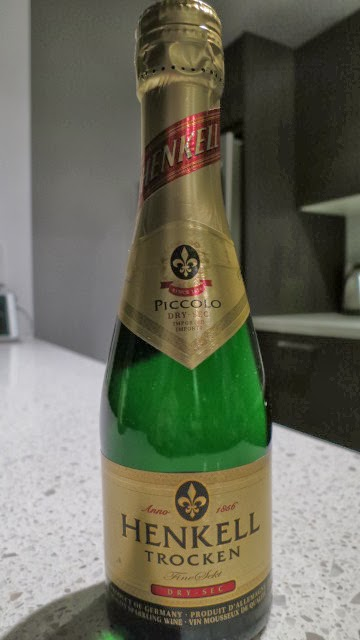Wine Review of Henkell Trocken Dry-Sec Piccolo from Baden, Germany