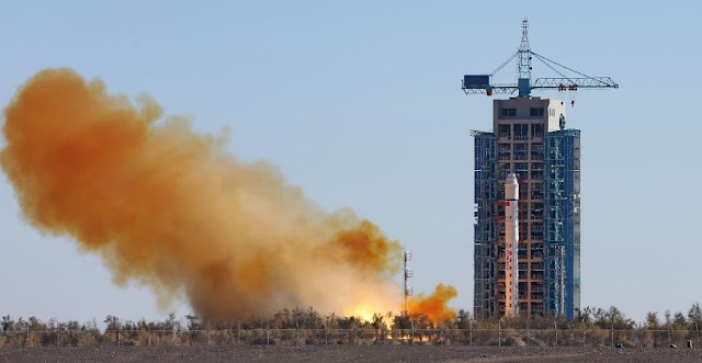 A Long March 2D carrier rocket carrying the Tianhui-1C mapping satellite blasts off from the launch pad at the Jiuquan Satellite Launch Center in northwest China's Gansu Province, Oct. 26, 2015. Image Credit: Xinhua/Yang Shiyao