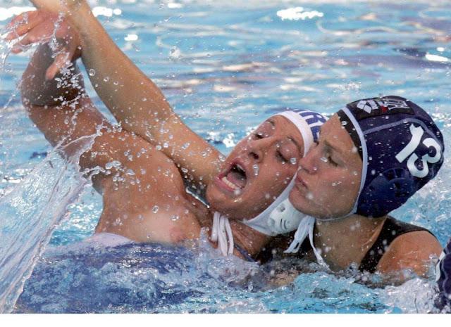 golie-kurezi-u-sportsmenov-foto