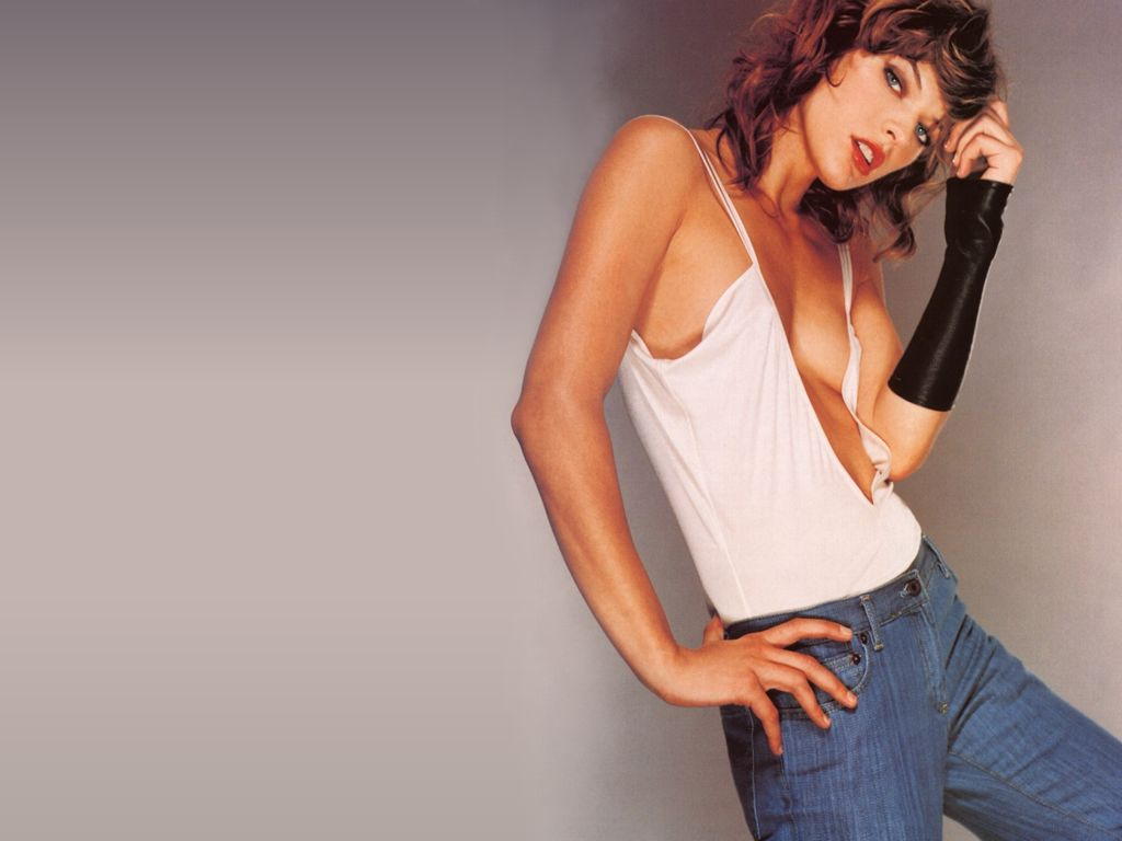 milla jovovich hot
