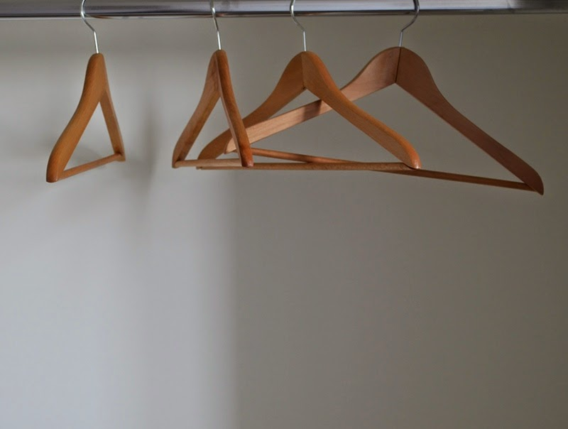 Hangers-into-an-empty-closet