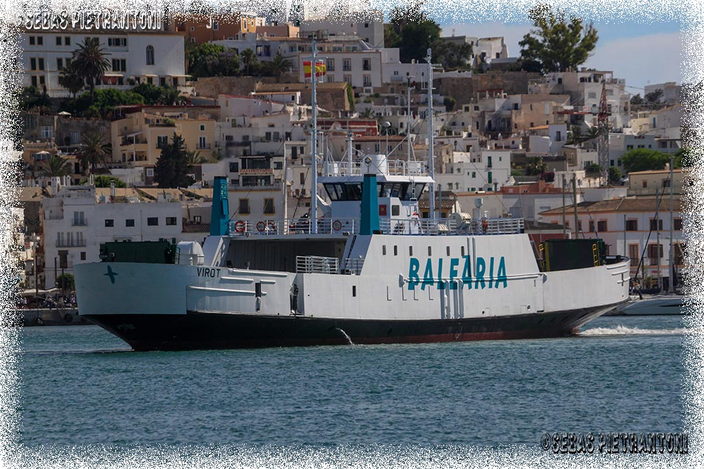 Blog cazador fotos de barcos en ibiza virot balearia for Oficina balearia ibiza