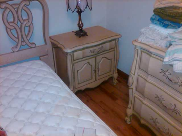 Thomasville Bedroom Armoire