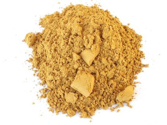 Il pigmento giallo ricavato dalla terra colorante di Le Pescine raccolta nel bosco