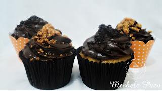 cupcakes, massa branca ou chocolate, cobertura brigadeiro belga