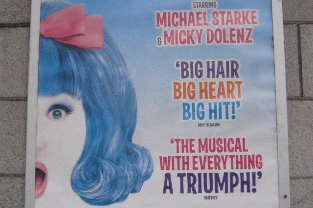 Cartel del musical Hairspray en Aberdeen