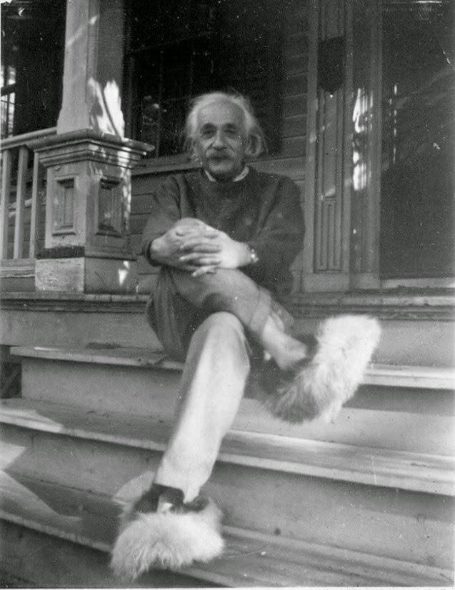 Divertidas fotografías de grandes personalidades Albert Einstein