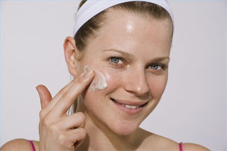 The problem with vitamin A (The initial substance of retinol cream) as follows.