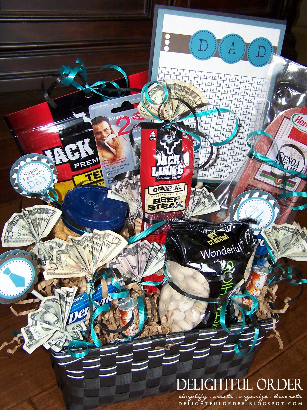 AND again, here's one last look at the Father's Day Gift Basket: