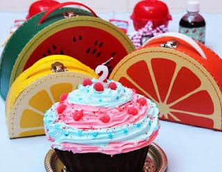 http://www.dicasparasuafesta.com.br/2013/11/festa-infantil-na-escola.html