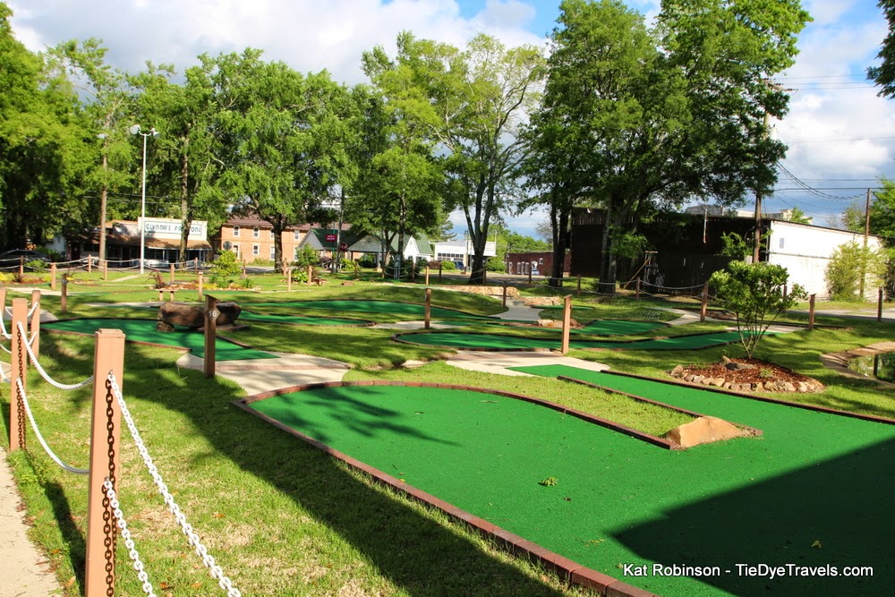 Miniature golf cabot ar