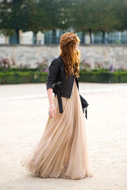 chaqueta de cuero con vestido largo