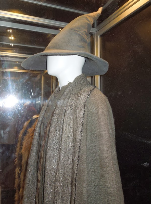 Hobbit 2 Gandalf movie costume