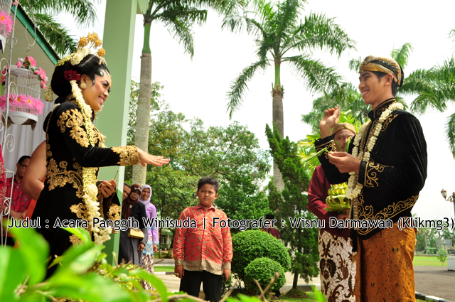 Judul : Panggih Solo Febriana & Heris | Fotografer : Wisnu Darmawan ( Klikmg3 )