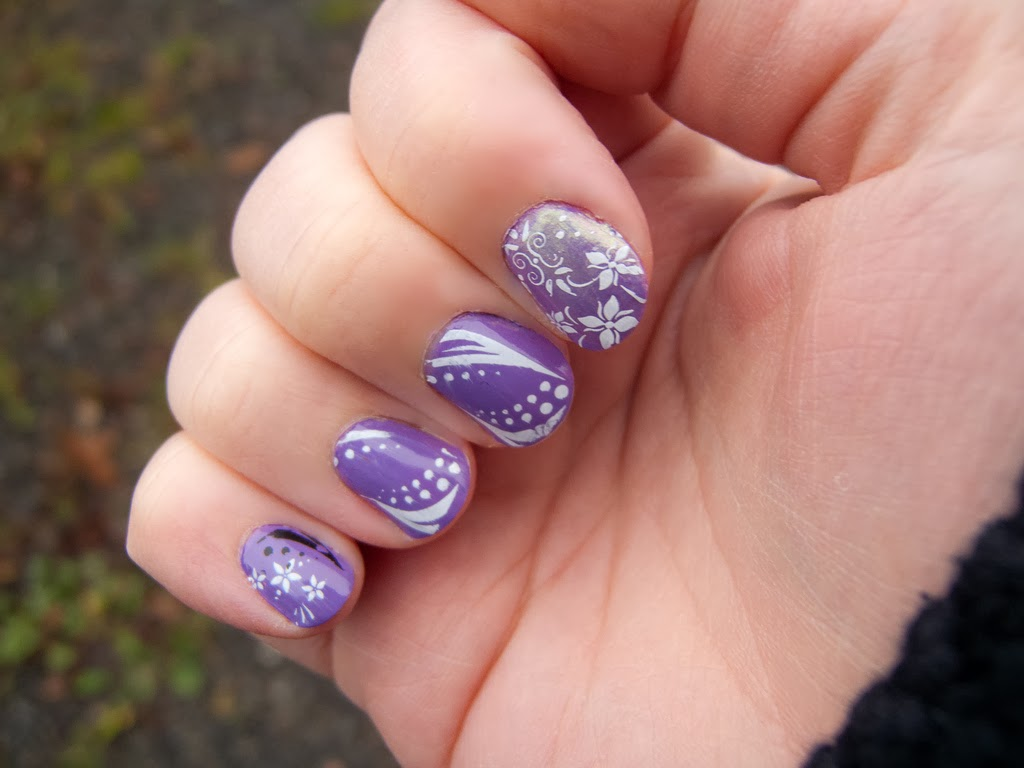 Latest Nails Art For New Year From The Collection Of 2013 2014